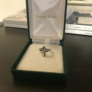 James Avery Eternal Ribbon Cross Ring
